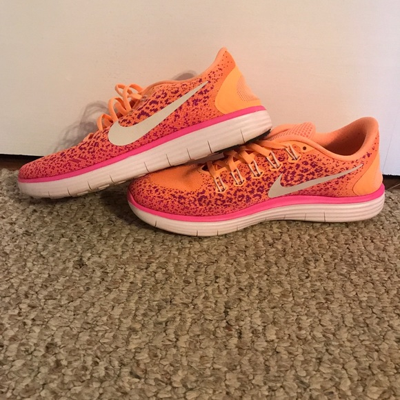 uk availability e8c57 401c6 Neon Leopard Nike Running Shoes. M5a491fbd36b9ded04a00f2e6
